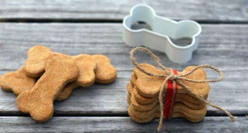 Χριστουγεννιάτικα σκυλίσια μπισκότα